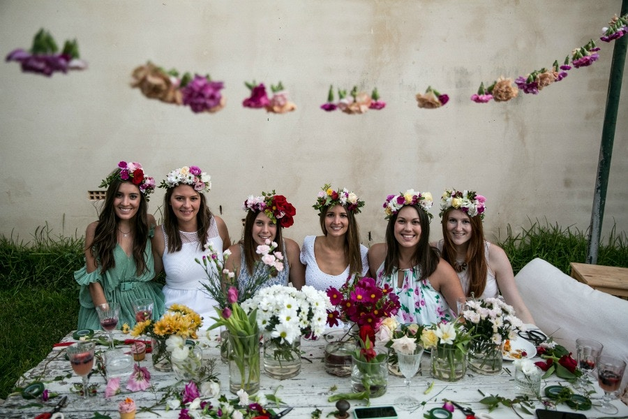 FLORAL CROWN HENS DAY