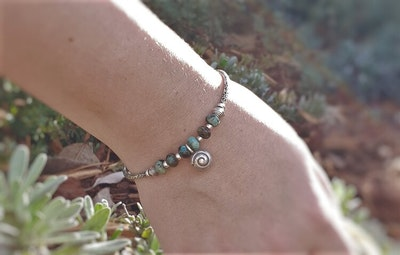 Uniqu-Lea Yours Lovely African Turquoise and Karen Hill Tribe Silver Bracelet
