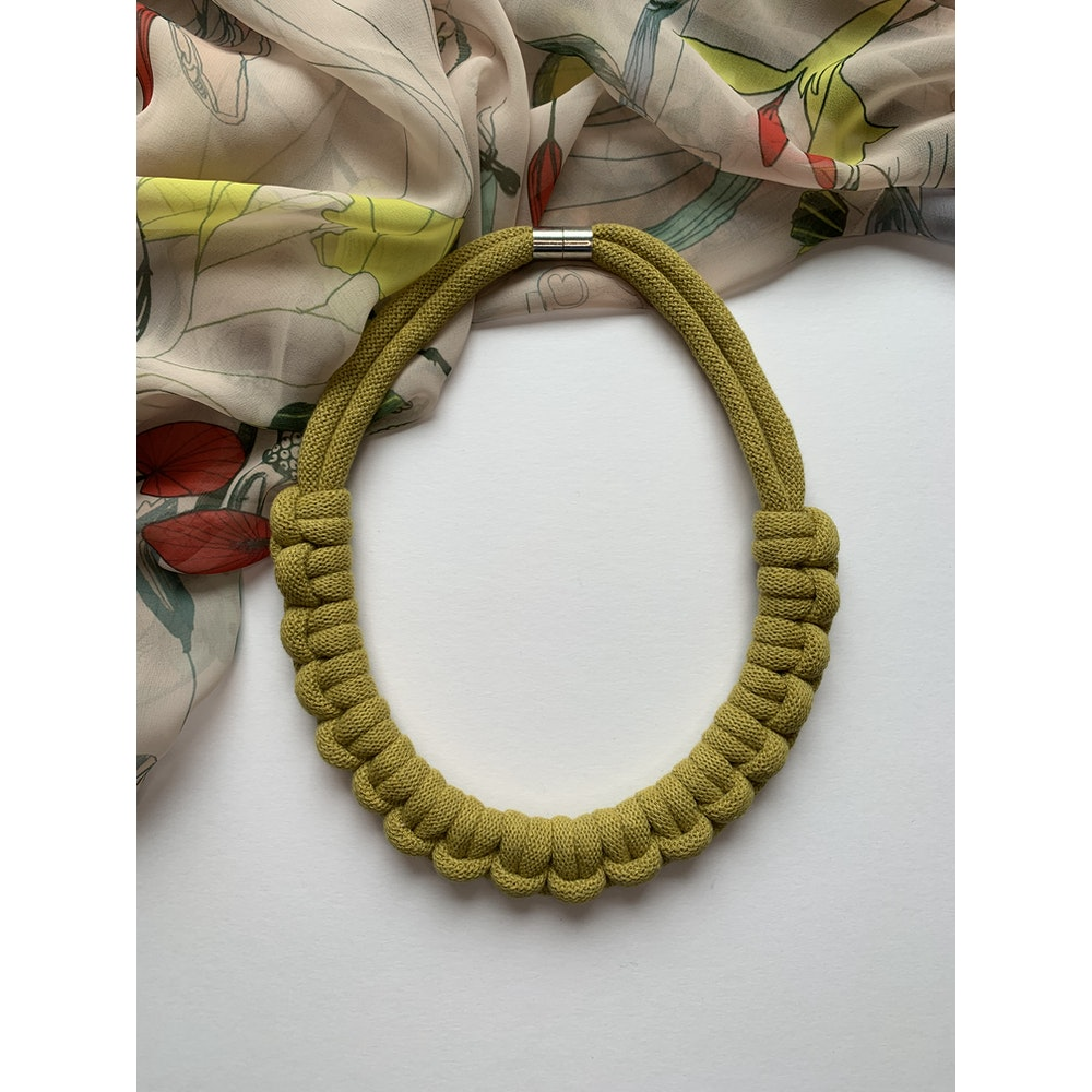 Form Norfolk Hitch Knot Necklace In Avocado Green