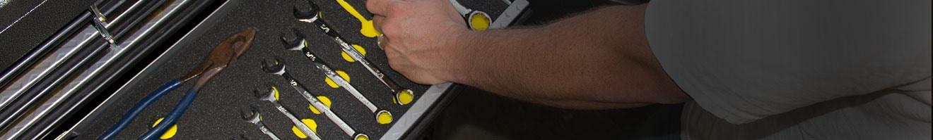 Auto Garage Tool Essentials for Your DIY