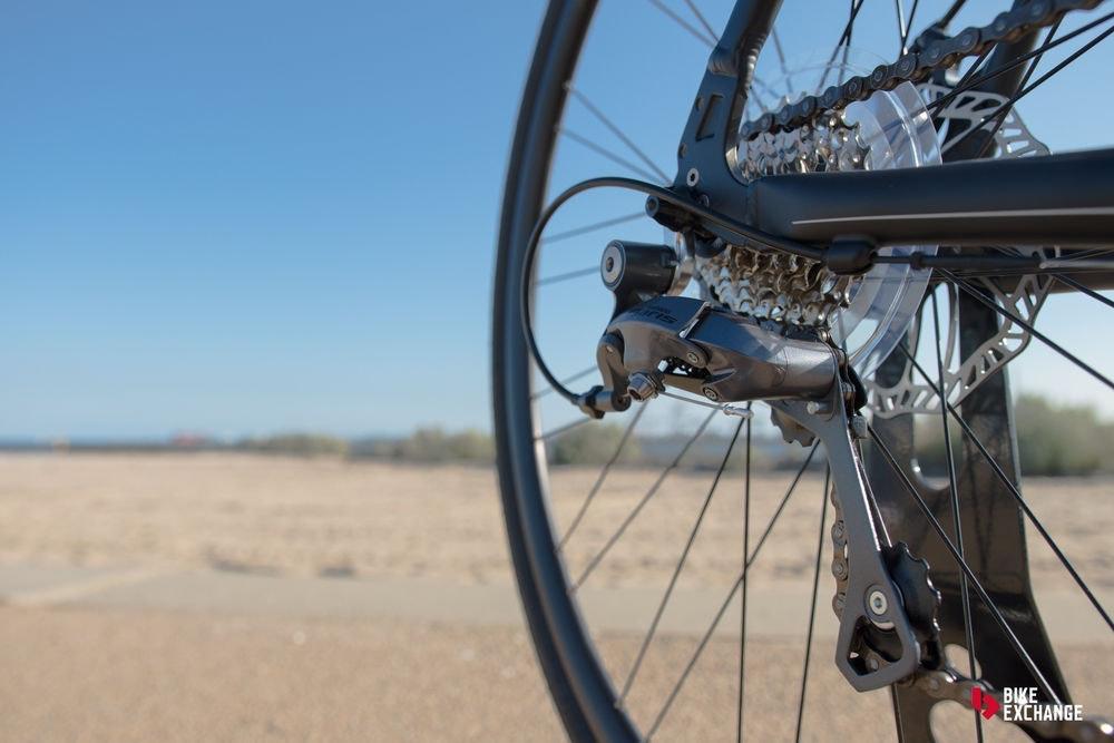 bicicletas-barra-plana-vs-hibridas-vs-urbanas-ruta-descarrilador-jpg