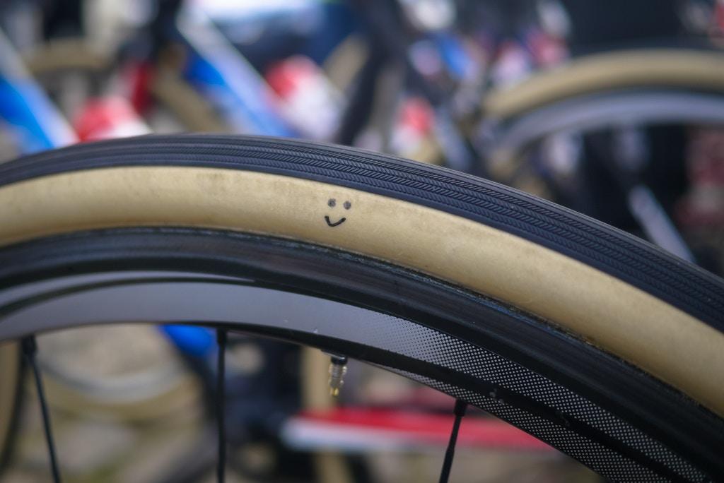 Op deze fietsen overleven de profs de kasseien van Parijs-Roubaix