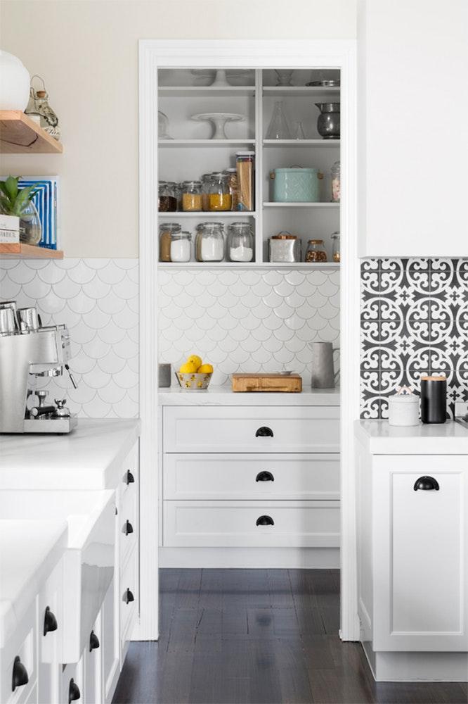 kitchen-design-trends-2018_butler-pantry-jpg