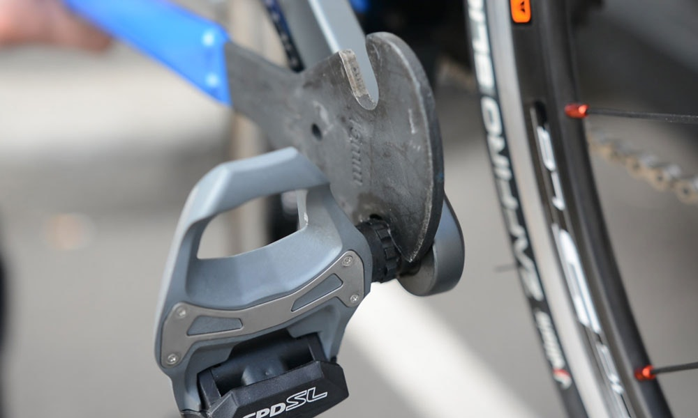 a5498b45df8 How to Remove and Install Bicycle Pedals