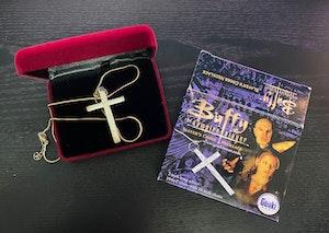 *RARE* 2009 Edition Buffy The Vampire Slayer - Slayer's Cross Necklace