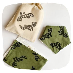 Bib and Burp Cloth Baby Bundle - Geckos