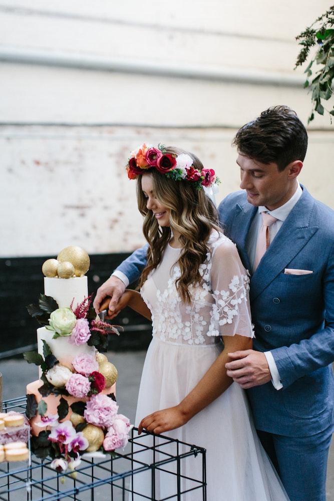 Unique Wedding Cake Ideas LENZO