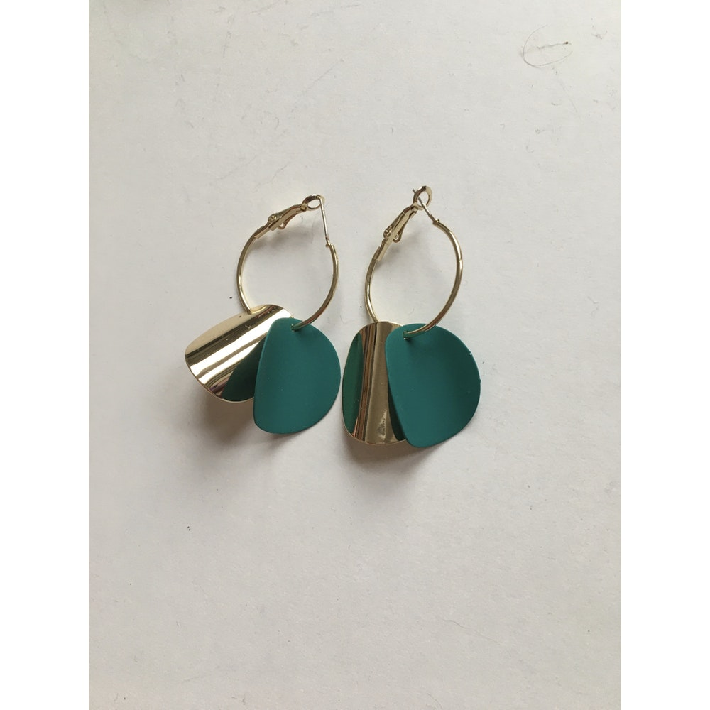 One of a Kind Club Gold And Green Curvy Round Earrings