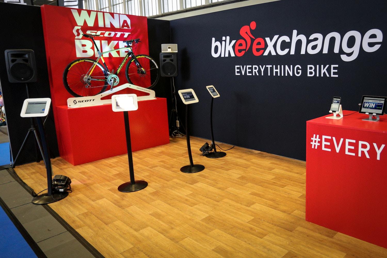 BikeExchange Gewinnspiel: Scott Solace 40 + OricaGreenEDGE Pack