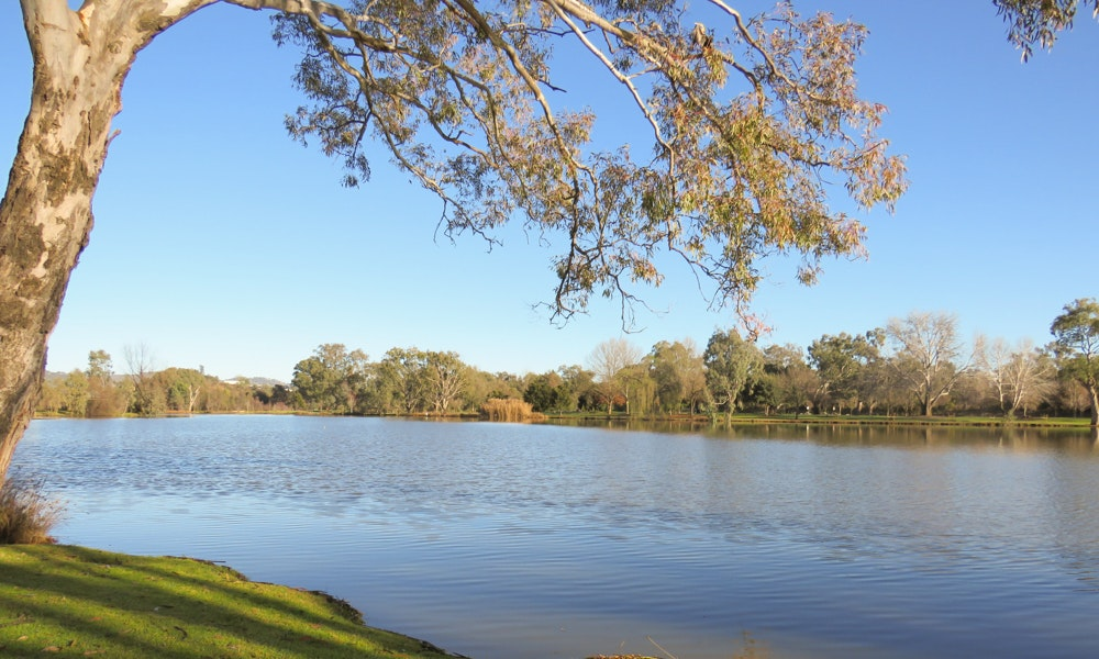 outdoria-best-family-friendly-fishing-lakes-victoria-sumsion-garden-lakes-wodonga-jpg