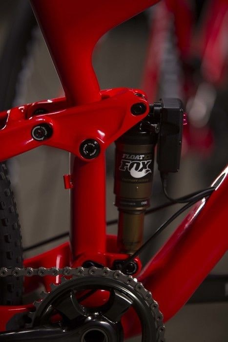 display 2016 Trek Top Fuel rear shock