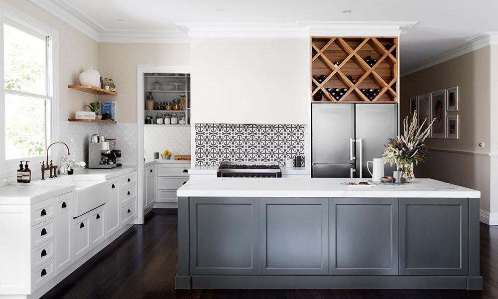 kitchen-design-trends_intergrated-rangehood-jpg