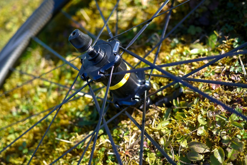 fullpage Mavic wheels hub
