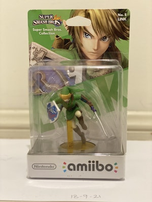 Link #5 Amiibo NEW and Still in Box
