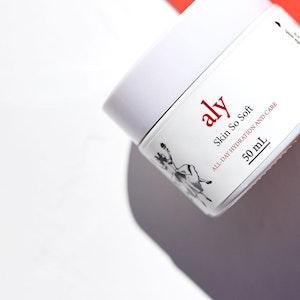 LOVE ALY'S Skin So Soft Rejuvenating Moisturiser With Tamanu Oil and Vitamin B3