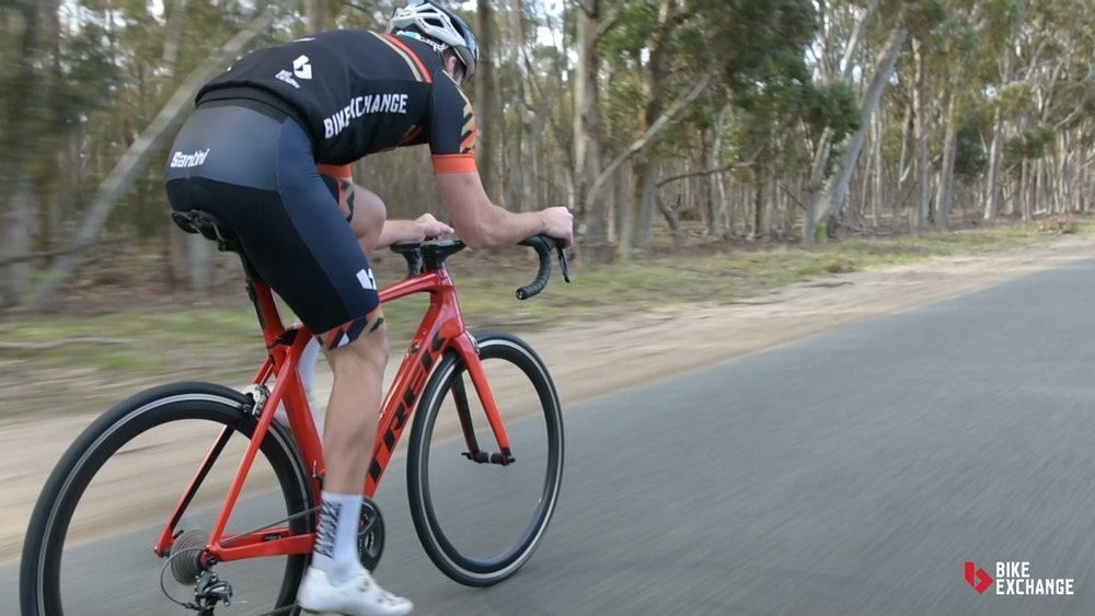 Aero vs lightweight vs endurance BikeExchange 2017 Madone aero position b