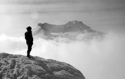 The Essential Winter Hiking Checklist