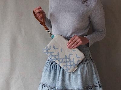 Linen clutch bag - Petal print