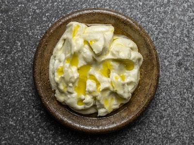Lebanese garlic paste (toum)