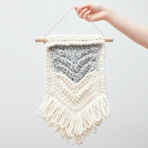 Chevron • Wall Hanging (MEDIUM) • Crochet Chunky Knit • Colour: EARL GREY + VANILLA