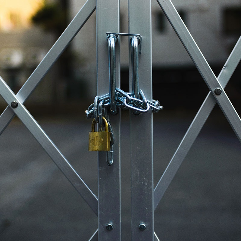 Find the right padlock and chain four home security need