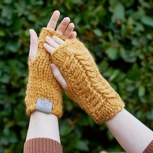 Pine Ridge • Fingerless Mittens • Chunky Knit • Colour: BUTTERSCOTCH