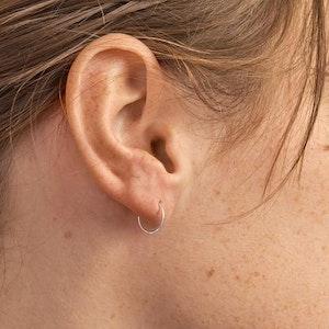 MIDSUMMER FINE SLEEPER EARRING - Sterling Silver