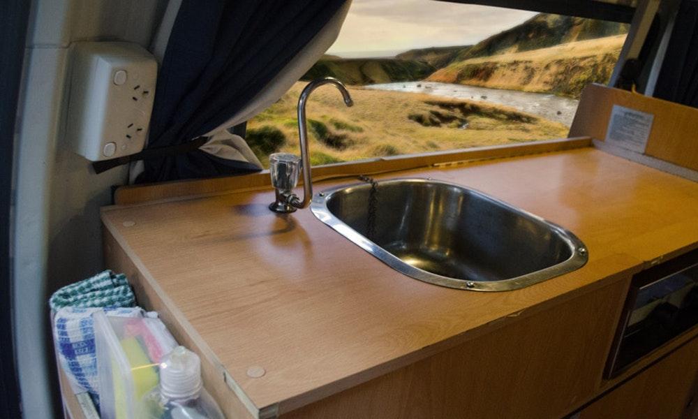 campervan-sink-jpg