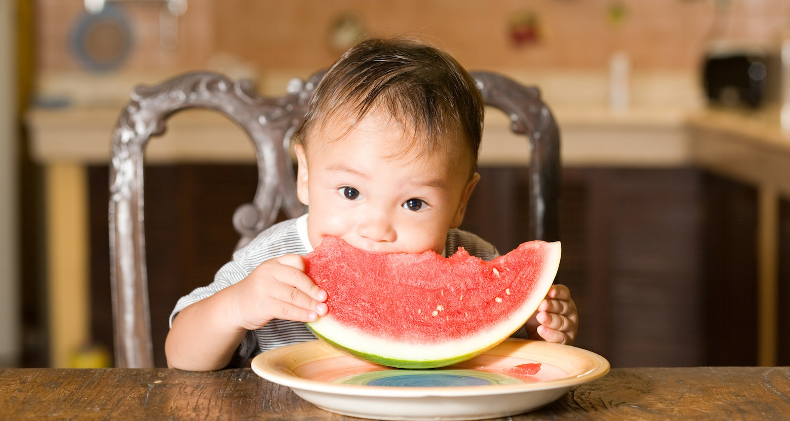 Developmental milestones and key nutrients for babies aged 0-6 month
