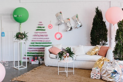 HAYMES	TINSEL CHRISTMAS TREE DIY