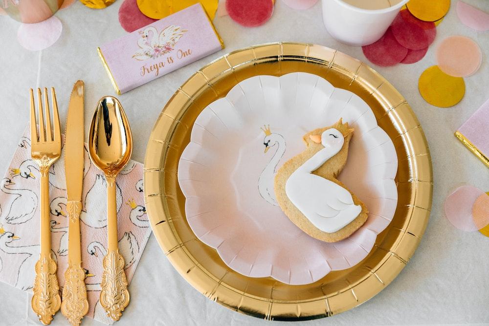 """swan"