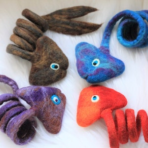 """Queenie's Pawprints Natural Wool Hand-felted Toy """"Fish"""""""