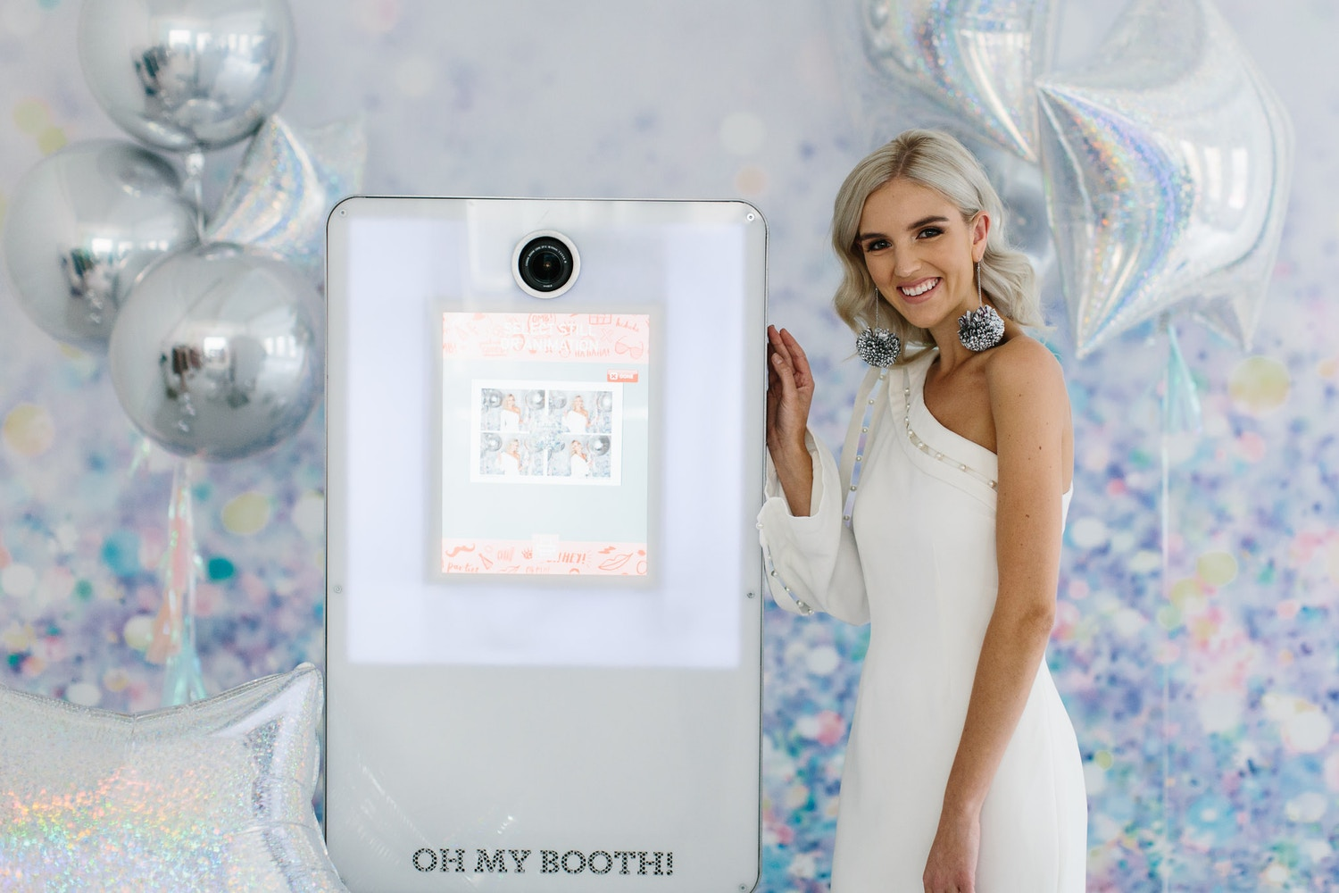 PARTY WITH OH MY BOOTH