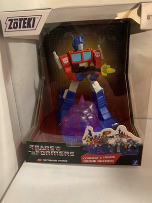Optimus Prime Transformers Zoteki – Series 1 Diorama Figure New in Box