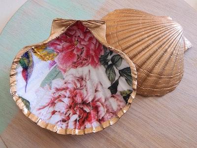 Beadoire Glass Scallop Trinket Dish Jeweller Holder 2021