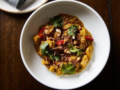 INDU Devilled Chicken Curry with Cashew Nuts