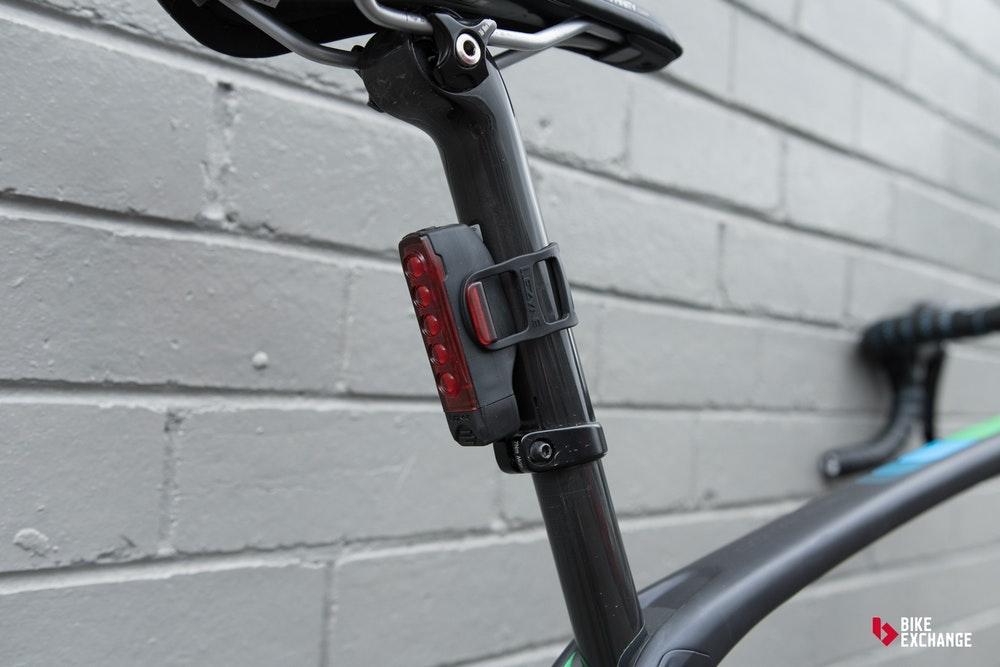 guia-definitiva-luces-de-bicicleta-monturas-traseras-jpg
