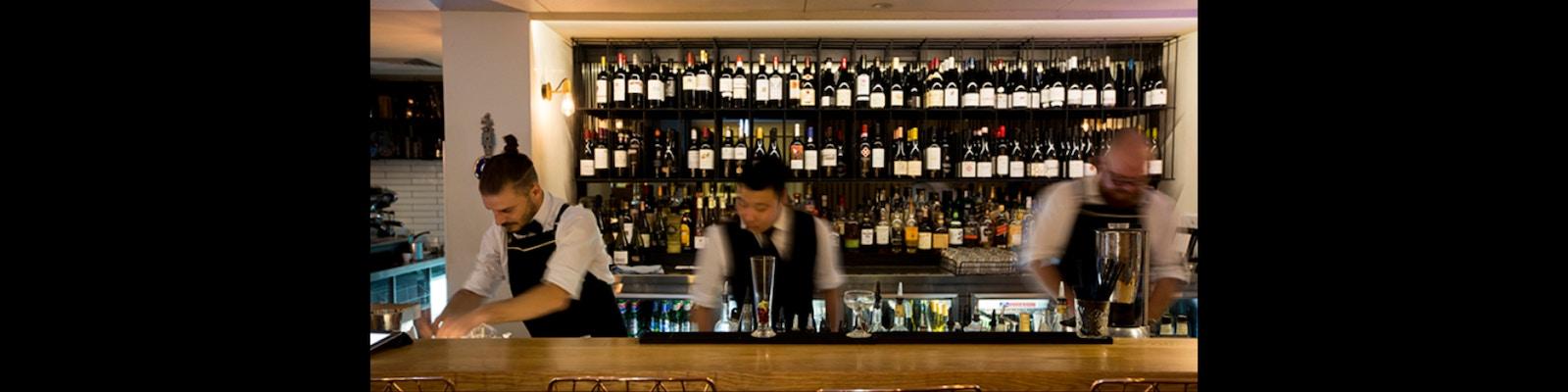 Maha Restaurant bar