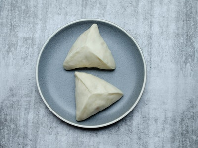 Gingergirl Beef Rendang curry buns (2 pieces)