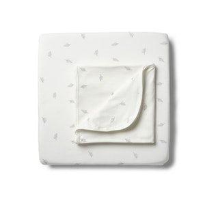 On Chic Baby Clothes GOTS Certified Organic Bassinet Sheet & Blanket
