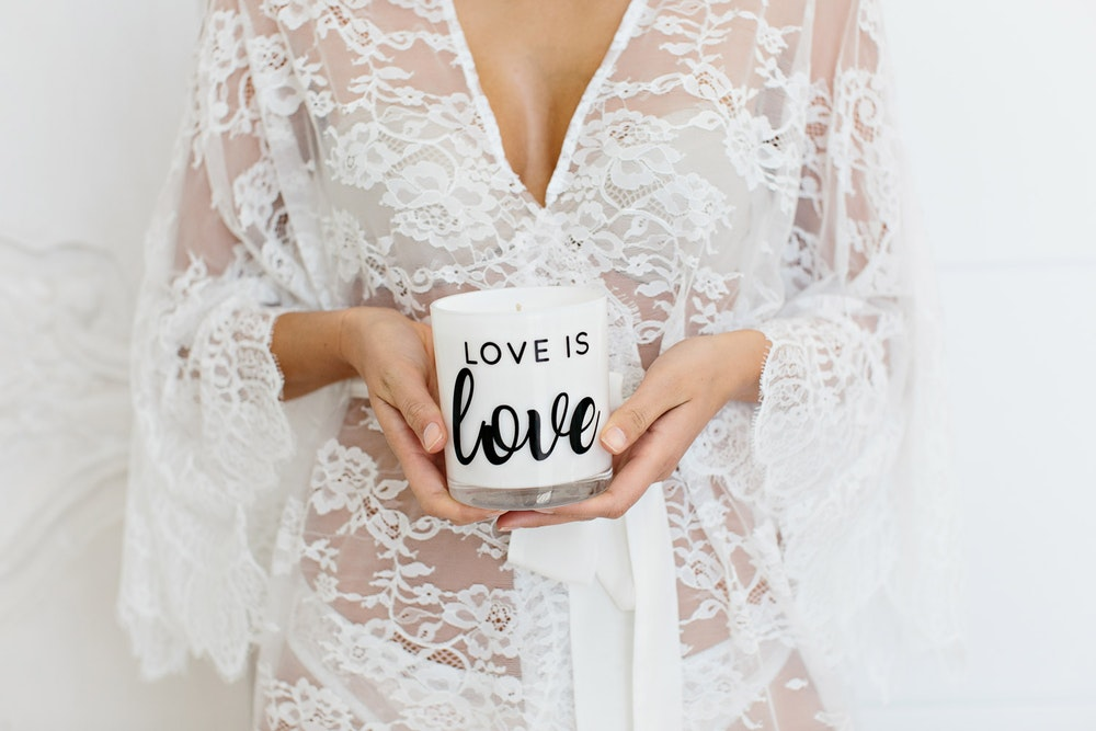 LENZO Love is Love Aroma Luxe Candle