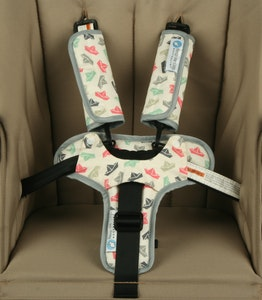 Keep Me Cosy™ Harness Cover & Buckle Cosy for Pram or Car Seat - Paper Boat