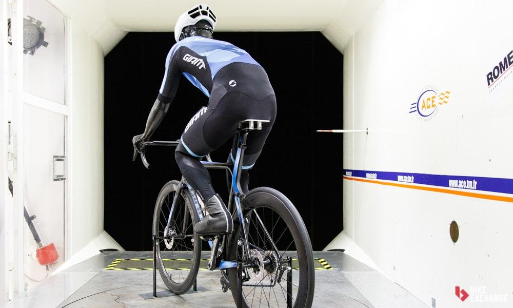 giant-2018-propel-disc-aerodynamic-bikeexchange-jpg