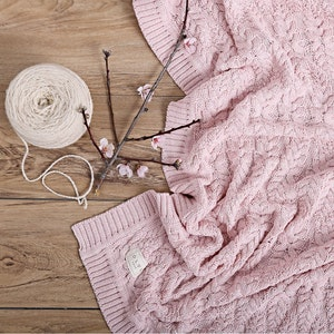 Jujo Baby Cable Heirloom Blanket  - Blush Pink