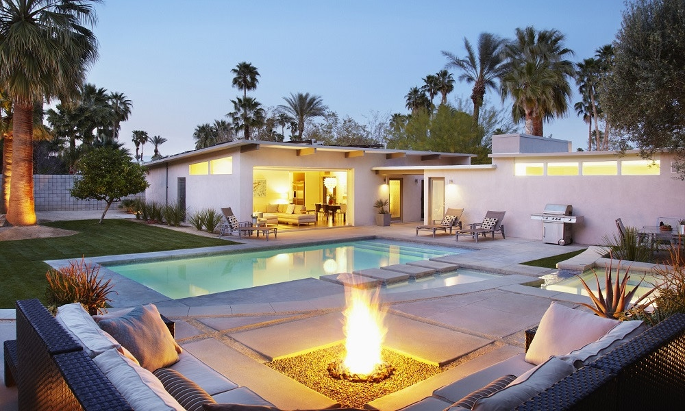 The Best Fireplace for Your Backyard