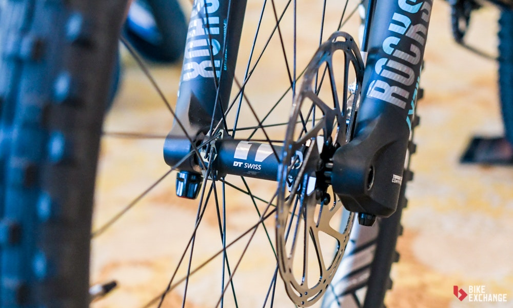 mountain-bike-buyers-guide-wheel-hub-bikeexchange-jpg