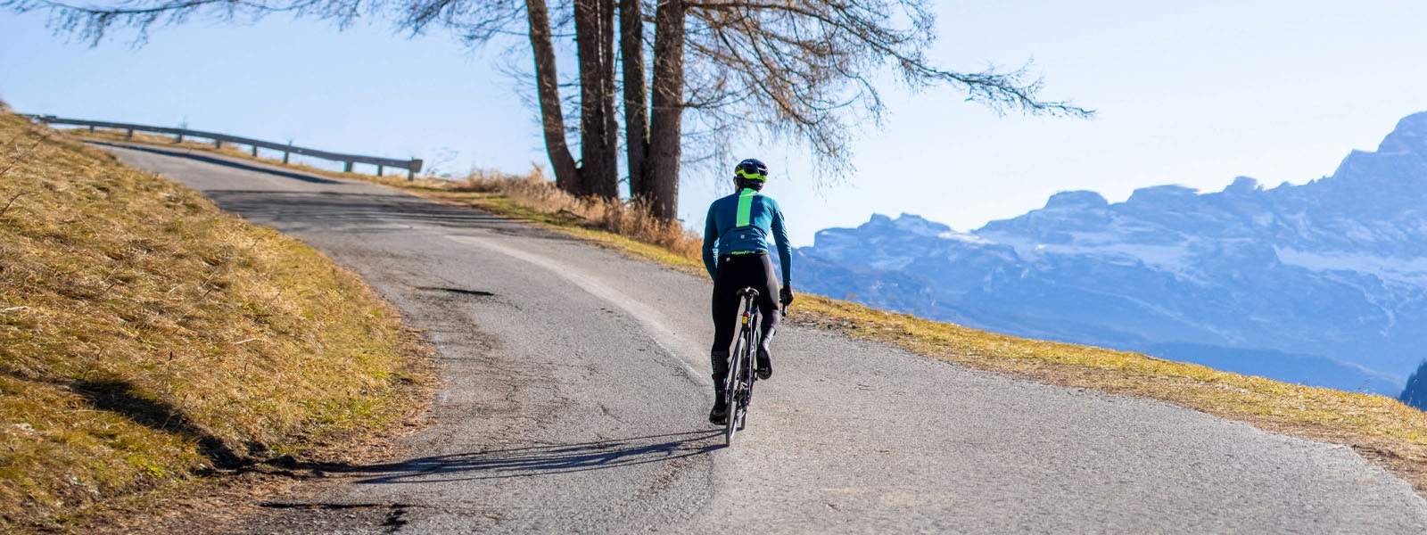 VEGA MULTI JACKET Warm and dry at every pedal stroke