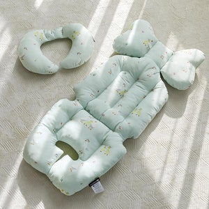 Dual Fabric Pram Liner (with neck support cushion) - Goose Family