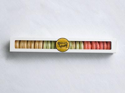 Macaron gift box ( 13, bakers dozen )