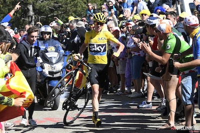 Chaos at Tour de France sees yellow jersey running up the road on summit finish
